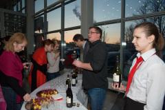 Презентация автомобиля  KIA Quoris в салоне официального дилера.  Дегустация вин.