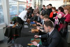 Презентация автомобиля  KIA Quoris в салоне официального дилера.  Мастер-класс по созданию сигар.