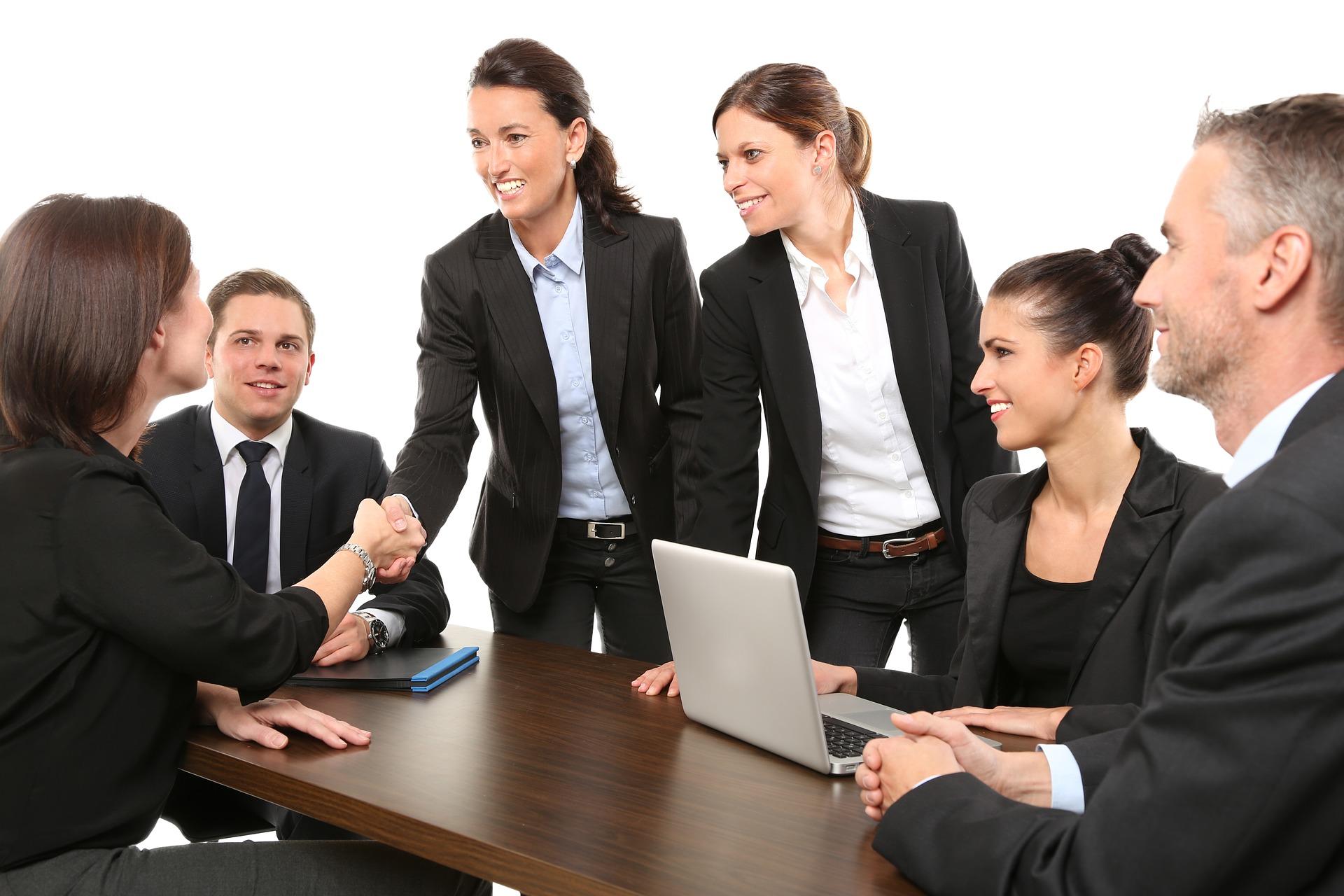 Официальный сайт компании и корпоративный стиль офиса